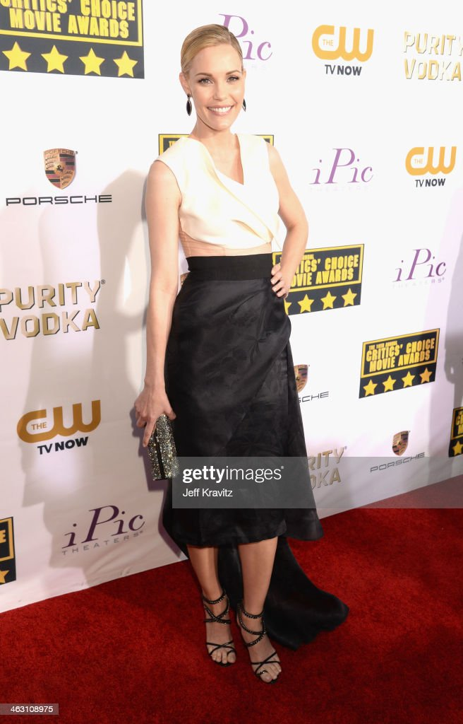 Actress <a gi-track='captionPersonalityLinkClicked' href=/galleries/search?phrase=Leslie+Bibb&family=editorial&specificpeople=560382 ng-click='$event.stopPropagation()'>Leslie Bibb</a> attends the 19th Annual Critics' Choice Movie Awards at Barker Hangar on January 16, 2014 in Santa Monica, California.