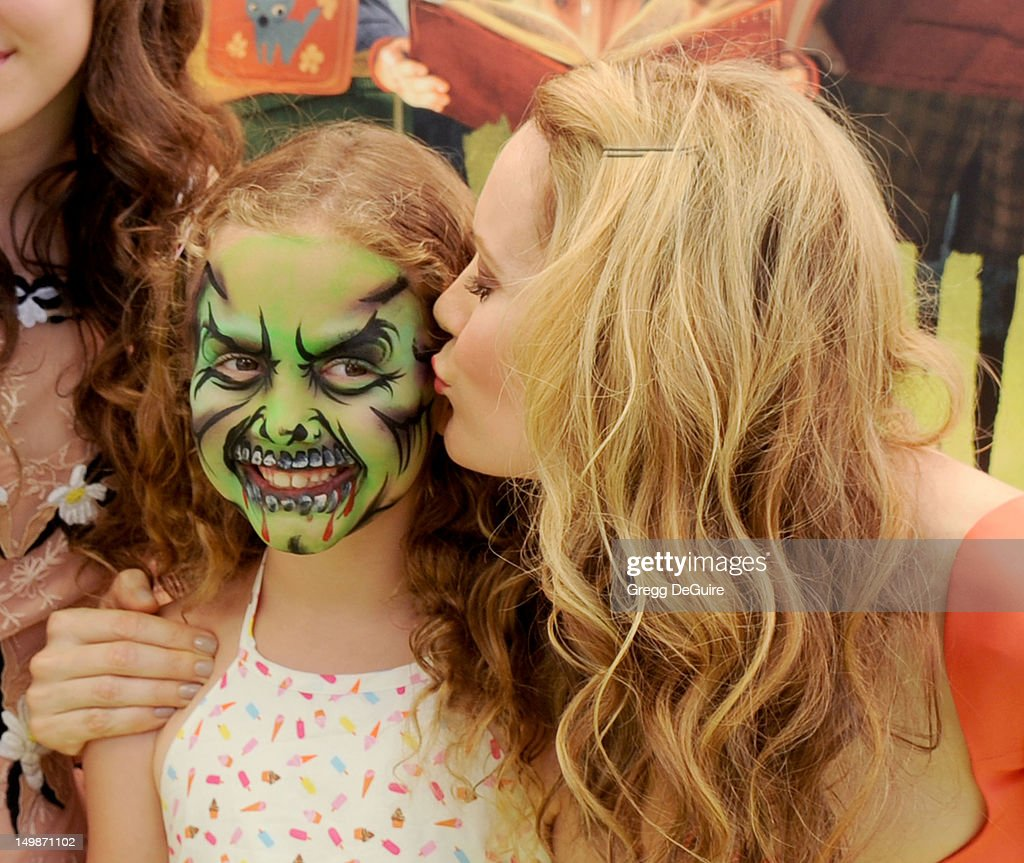 Actress Leslie Mann and daughter Iris Apatow arrive at the Los Angeles premiere of 'ParaNorman' at AMC CityWalk Stadium 19 at Universal Studios...