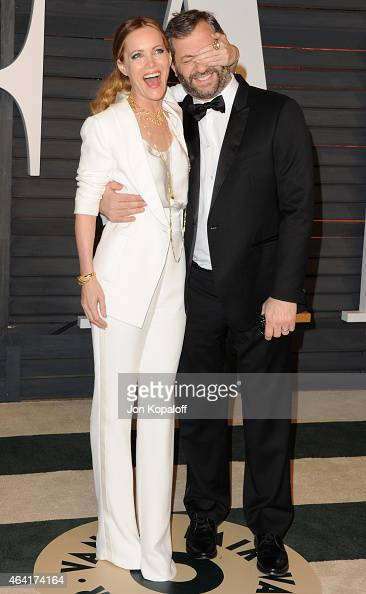 Actress Leslie Mann and producer/director Judd Apatow attends the 2015 Vanity Fair Oscar Party hosted by Graydon Carter at Wallis Annenberg Center...