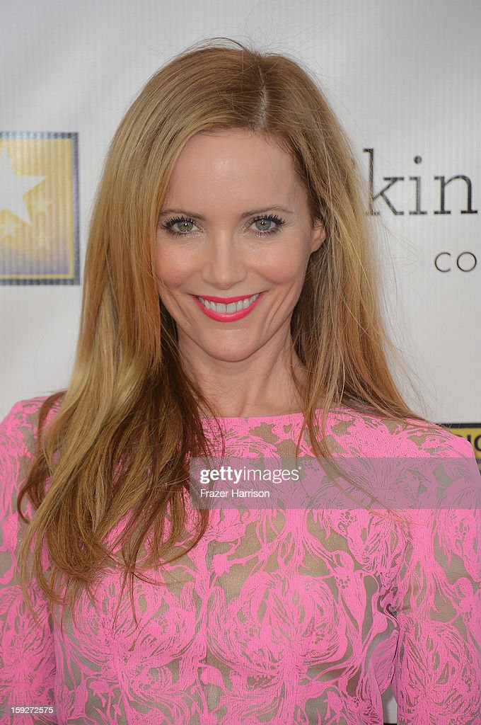 Actress Leslie Mann arrives at the 18th Annual Critics' Choice Movie Awards at Barker Hangar on January 10, 2013 in Santa Monica, California.
