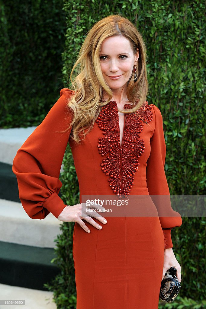 Actress Leslie Mann arrives at the 2013 Vanity Fair Oscar Party at Sunset Tower on February 24, 2013 in West Hollywood, California.