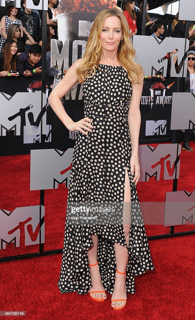 Actress Leslie Mann arrives at the 2014 MTV Movie Awards at Nokia Theatre L.A. Live on April 13, 2014 in Los Angeles, California.
