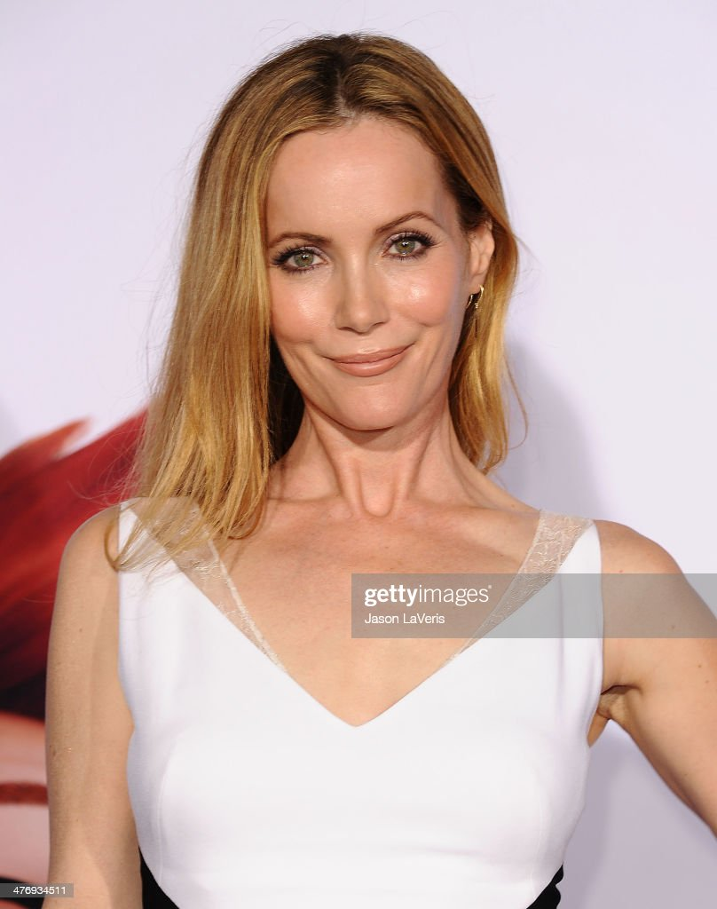 Actress <a gi-track='captionPersonalityLinkClicked' href=/galleries/search?phrase=Leslie+Mann&family=editorial&specificpeople=595973 ng-click='$event.stopPropagation()'>Leslie Mann</a> attends the premiere of 'Mr. Peabody & Sherman' at Regency Village Theatre on March 5, 2014 in Westwood, California.