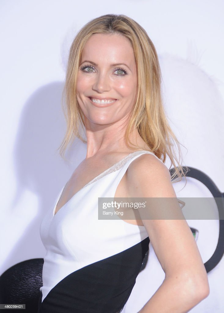 Actress <a gi-track='captionPersonalityLinkClicked' href=/galleries/search?phrase=Leslie+Mann&family=editorial&specificpeople=595973 ng-click='$event.stopPropagation()'>Leslie Mann</a> attends the premiere of 'Mr. Peabody & Sherman' on March 5, 2014 at Regency Village Theatre in Westwood, California.