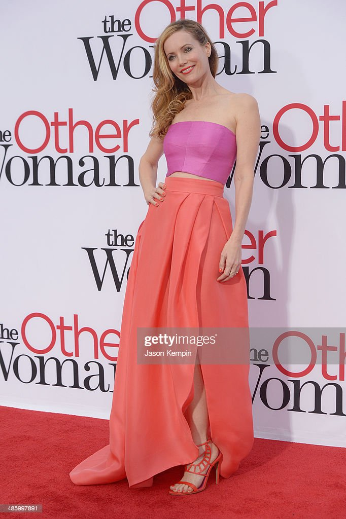 Actress <a gi-track='captionPersonalityLinkClicked' href=/galleries/search?phrase=Leslie+Mann&family=editorial&specificpeople=595973 ng-click='$event.stopPropagation()'>Leslie Mann</a> attends the premiere of Twentieth Century Fox's 'The Other Woman' at Regency Village Theatre on April 21, 2014 in Westwood, California.