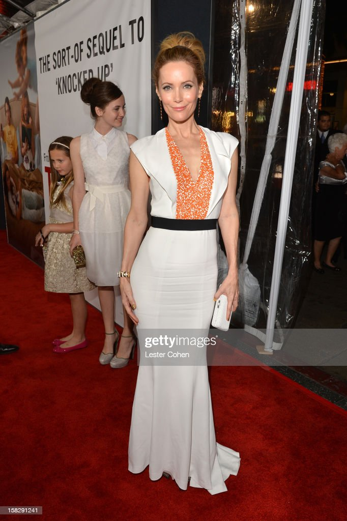 Actress Leslie Mann attends 'This Is 40' - Los Angeles Premiere - Red Carpet at Grauman's Chinese Theatre on December 12, 2012 in Hollywood, California.