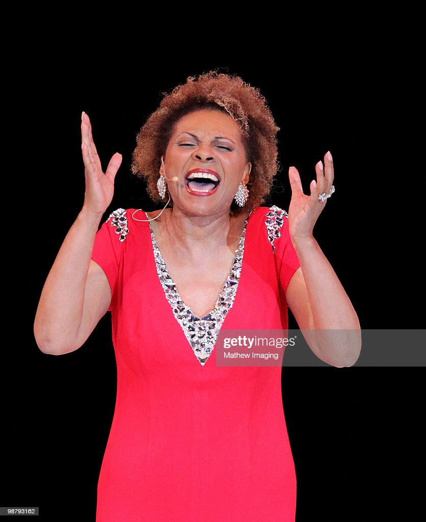 COVERAGE*** Actress Leslie Uggams performs at the 5th Annual 'A Fine Romance' at 20th Century Fox on May 1 2010 in Los Angeles California