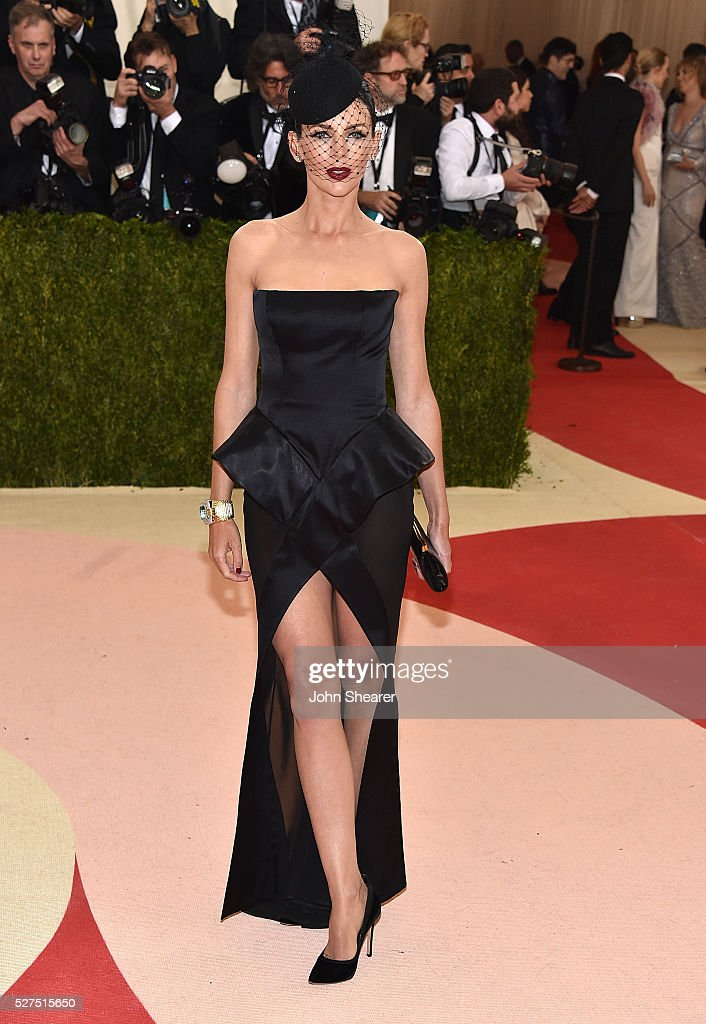 Actress Liberty Ross attends the 'Manus x Machina: Fashion In An Age Of Technology' Costume Institute Gala at Metropolitan Museum of Art on May 2, 2016 in New York City.