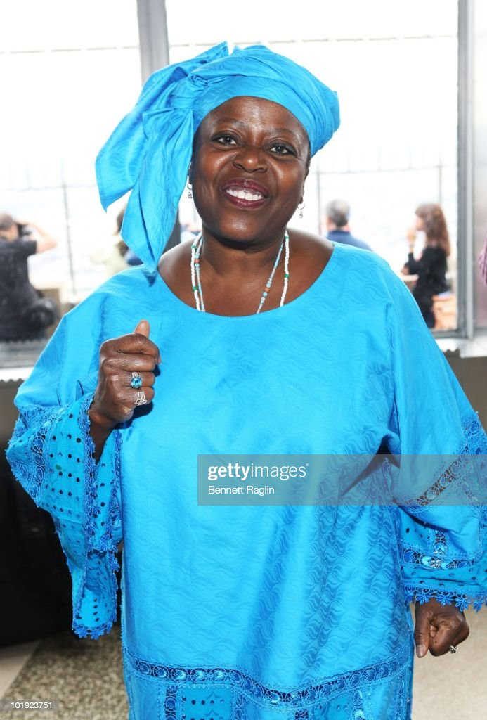 Actress Lillias White poses as Tony Award nominees visit The Empire State Building on June 9, 2010 in New York City.