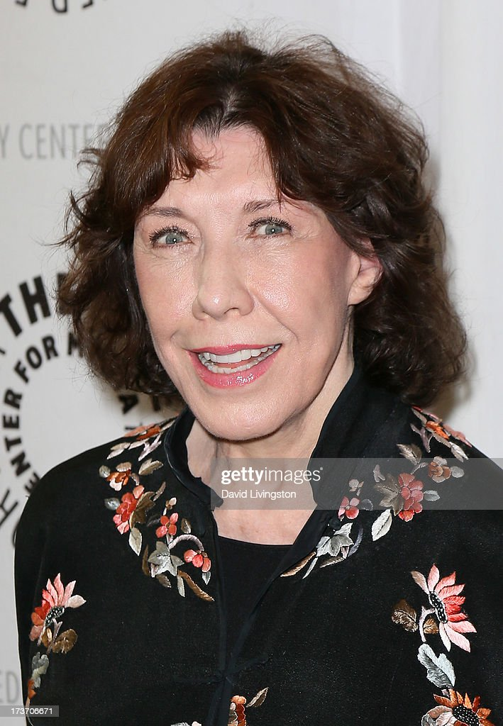 Actress <a gi-track='captionPersonalityLinkClicked' href=/galleries/search?phrase=Lily+Tomlin&family=editorial&specificpeople=208236 ng-click='$event.stopPropagation()'>Lily Tomlin</a> attends 'An Evening with Web Therapy: The Craze Continues...' presented by The Paley Center for Media at The Paley Center for Media on July 16, 2013 in Beverly Hills, California.