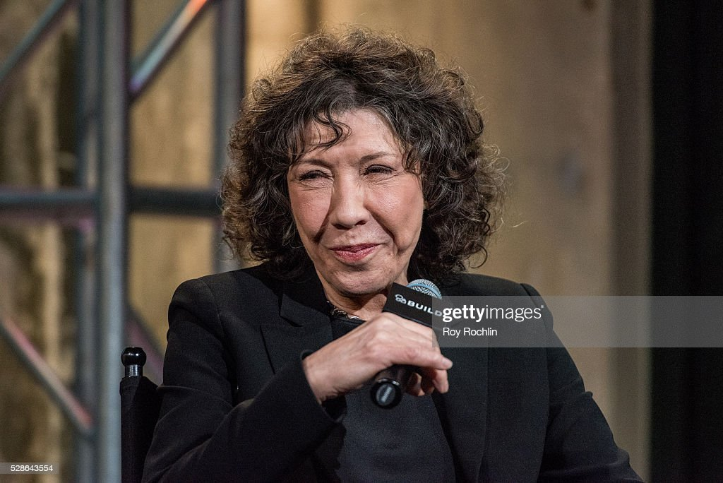 Actress <a gi-track='captionPersonalityLinkClicked' href=/galleries/search?phrase=Lily+Tomlin&family=editorial&specificpeople=208236 ng-click='$event.stopPropagation()'>Lily Tomlin</a> speaks about 'Grace And Frankie' with AOL Build at AOL Studios In New York on May 6, 2016 in New York City.