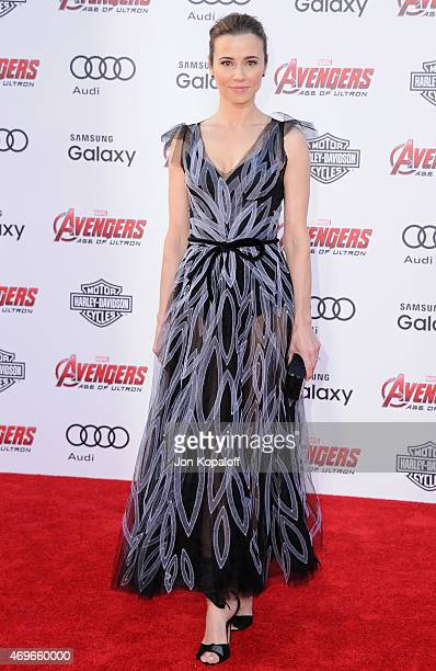 Actress Linda Cardellini arrives at the Los Angeles Premiere Marvel's 'Avengers Age Of Ultron' at Dolby Theatre on April 13 2015 in Hollywood...