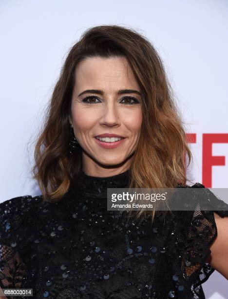 Actress Linda Cardellini arrives at the premiere of Netflix's 'Bloodline' Season 3 at the Arclight Cinemas Culver City on May 24 2017 in Culver City...