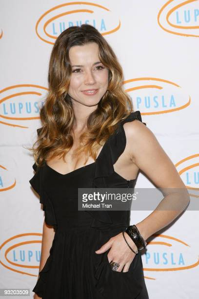 Actress Linda Cardellini arrives to the 7th Annual Lupus LA's 'Bag Ladies' luncheon held at The Beverly Wilshire Hotel on November 18 2009 in Beverly...
