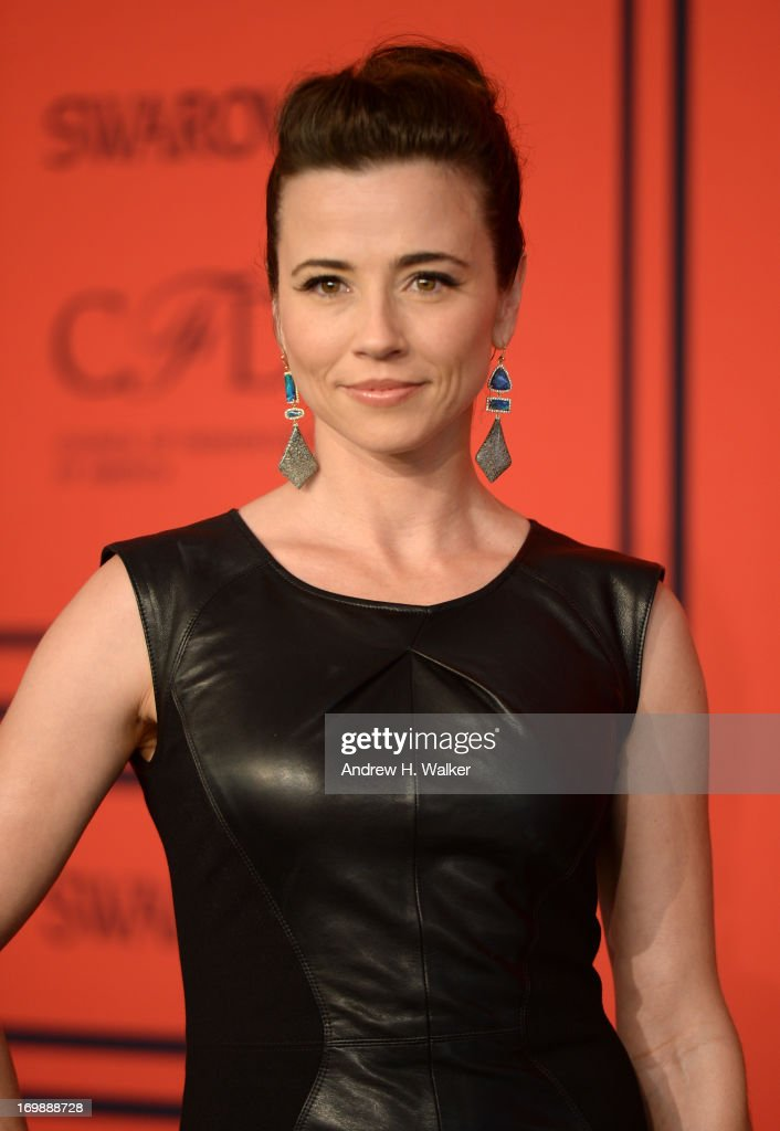 Actress Linda Cardellini attends 2013 CFDA Fashion Awards at Alice Tully Hall on June 3, 2013 in New York City.
