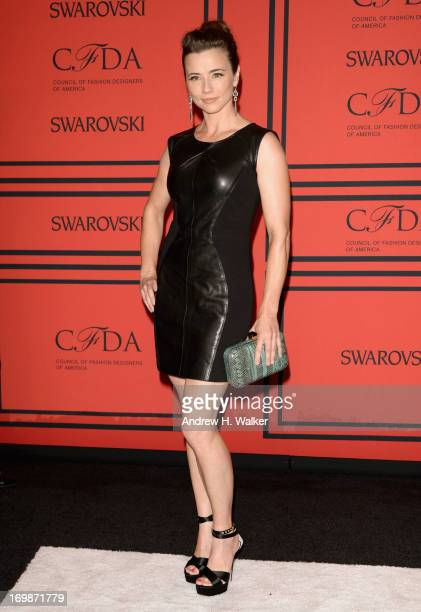 Actress Linda Cardellini attends 2013 CFDA FASHION AWARDS Underwritten By Swarovski Red Carpet Arrivals at Lincoln Center on June 3 2013 in New York...