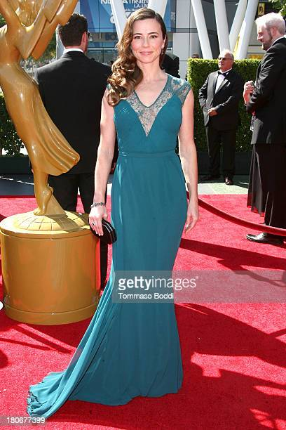 Actress Linda Cardellini attends the 2013 Creative Arts Emmy Awards Ceremony held at the Nokia Theatre LA Live on September 15 2013 in Los Angeles...