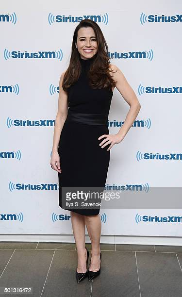 Actress Linda Cardellini visits the SiriusXM Studios on December 14 2015 in New York City