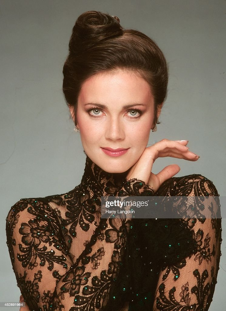 Actress Linda Carter poses for a portrait in 1985 in Los Angeles, California.