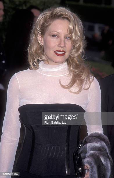 Actress Linda Kozlowski attends the premiere of Crocodile Dundee in Los Angeles on April 18 2001 at the Paramount Theater in Hollywood California