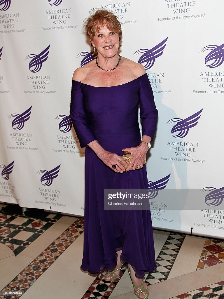 Actress <a gi-track='captionPersonalityLinkClicked' href=/galleries/search?phrase=Linda+Lavin&family=editorial&specificpeople=645189 ng-click='$event.stopPropagation()'>Linda Lavin</a> attends the 2010 American Theatre Wing Spring Gala at Cipriani 42nd Street on June 7, 2010 in New York City.