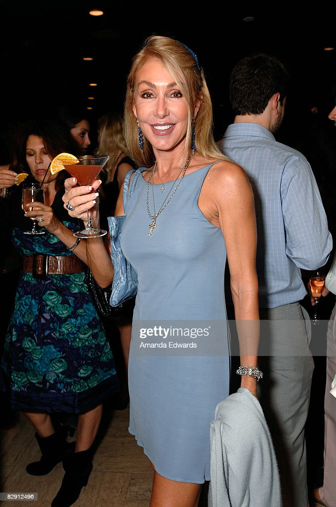 Actress Linda Thompson attends the Launch Of The New Beverly Hills Drink 'THE BEVERLY' at Crustacean on September 18, 2008 in Los Angeles, California.