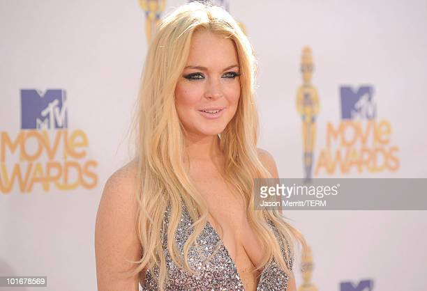 Actress Lindsay Lohan arrives at the 2010 MTV Movie Awards at Gibson Amphitheatre on June 6 2010 in Universal City California