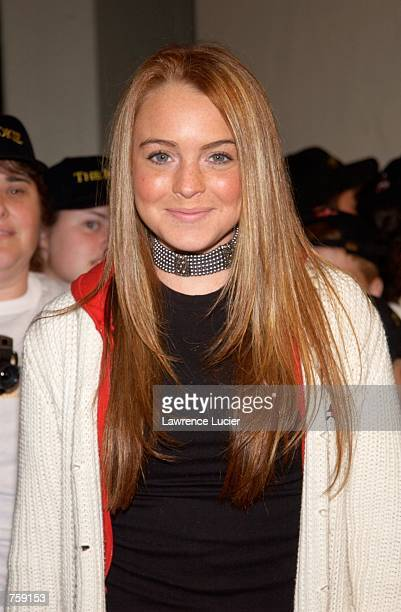 Actress Lindsay Lohan arrives at the premiere of the film The Rookie March 26 2002 in New York City