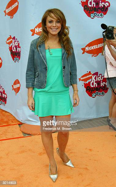Actress Lindsay Lohan attends Nickelodeon's 17th Annual Kids' Choice Awards at Pauley Pavilion on the campus of UCLA April 3 2004 in Westwood...