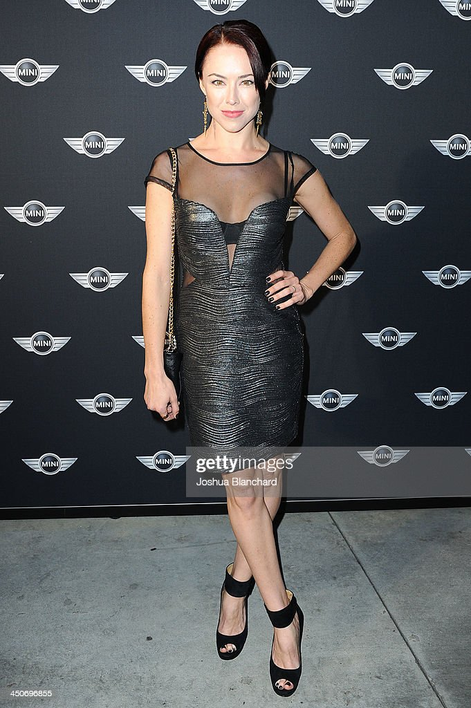 Actress <a gi-track='captionPersonalityLinkClicked' href=/galleries/search?phrase=Lindsey+McKeon&family=editorial&specificpeople=3276220 ng-click='$event.stopPropagation()'>Lindsey McKeon</a> arrives at the Kim Sing Theatre for MINI Cooper Unveils Newest Addition To The MINI Fleet During Los Angeles Auto Show on November 19, 2013 in Los Angeles, California.