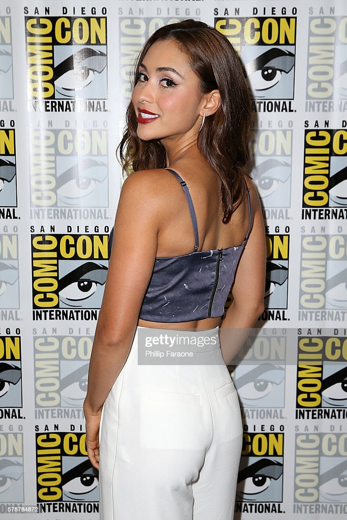Actress Lindsey Morgan of 'The 100' attends ComicCon International 2016 on July 22 2016 in San Diego California