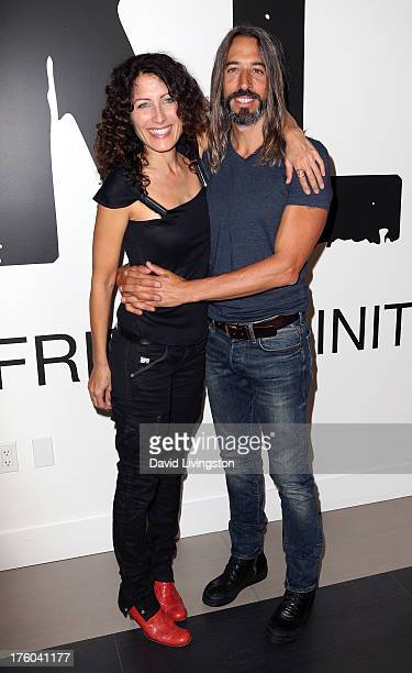 Actress Lisa Edelstein and artist Robert Russell attend the NKLA Pet Adoption Center ribbon cutting and celebrity/donor brunch at the NKLA Pet...