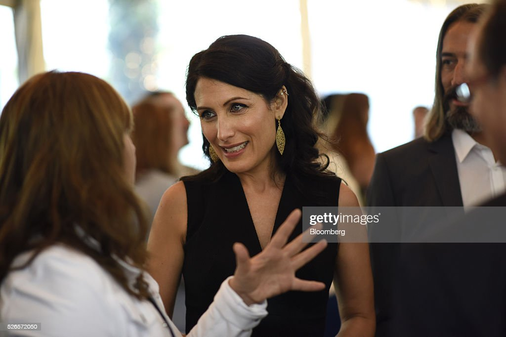 Actress Lisa Edelstein attends the 23rd Annual White House Correspondents' Garden Brunch in Washington, D.C., U.S., on Saturday, April 30, 2016. The event will raise awareness for Halcyon Incubator, an organization that supports early stage social entrepreneurs 'seeking to change the world' through an immersive 18-month fellowship program. Photographer: David Paul Morris/Bloomberg via Getty Images