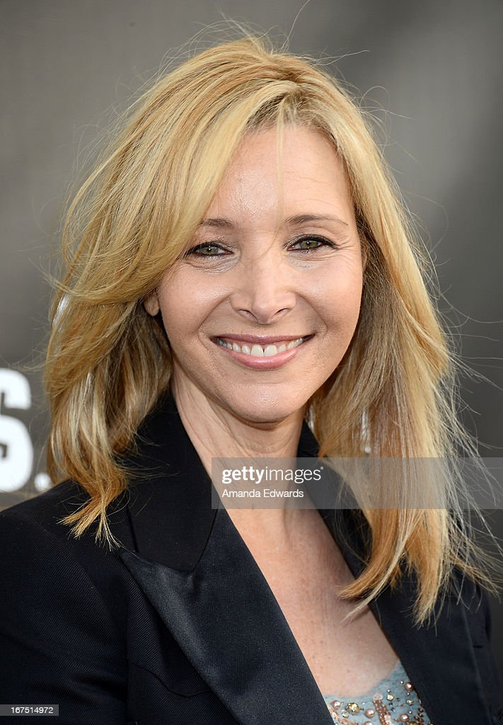 Actress Lisa Kudrow arrives at the Modernism opening night preview party benefiting P.S. Arts at The Barker Hanger on April 25, 2013 in Santa Monica, California.