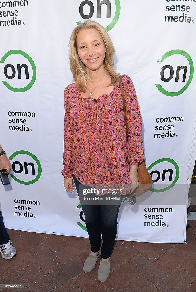 Actress Lisa Kudrow attends the 2nd Annual GameOn! fundraiser hosted by Common Sense Media at Sony Pictures Studios on September 29, 2013 in Culver City, California.