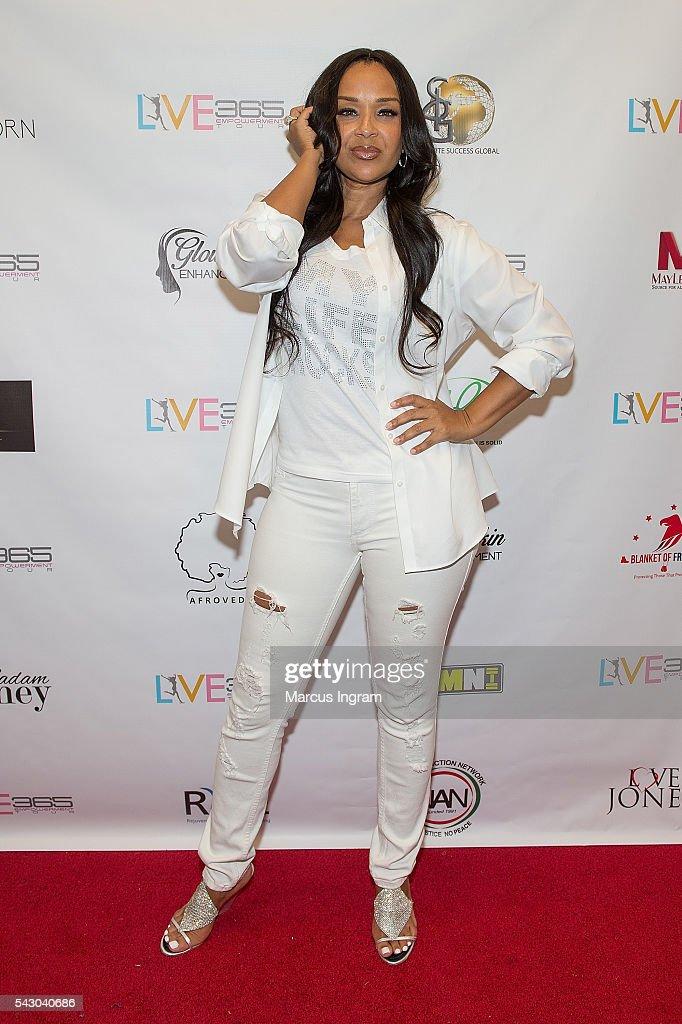 Actress Lisa Raye McCoy attends the LIVE 365 Empowerment Tour - Atlanta on June 25, 2016 in Atlanta, Georgia.