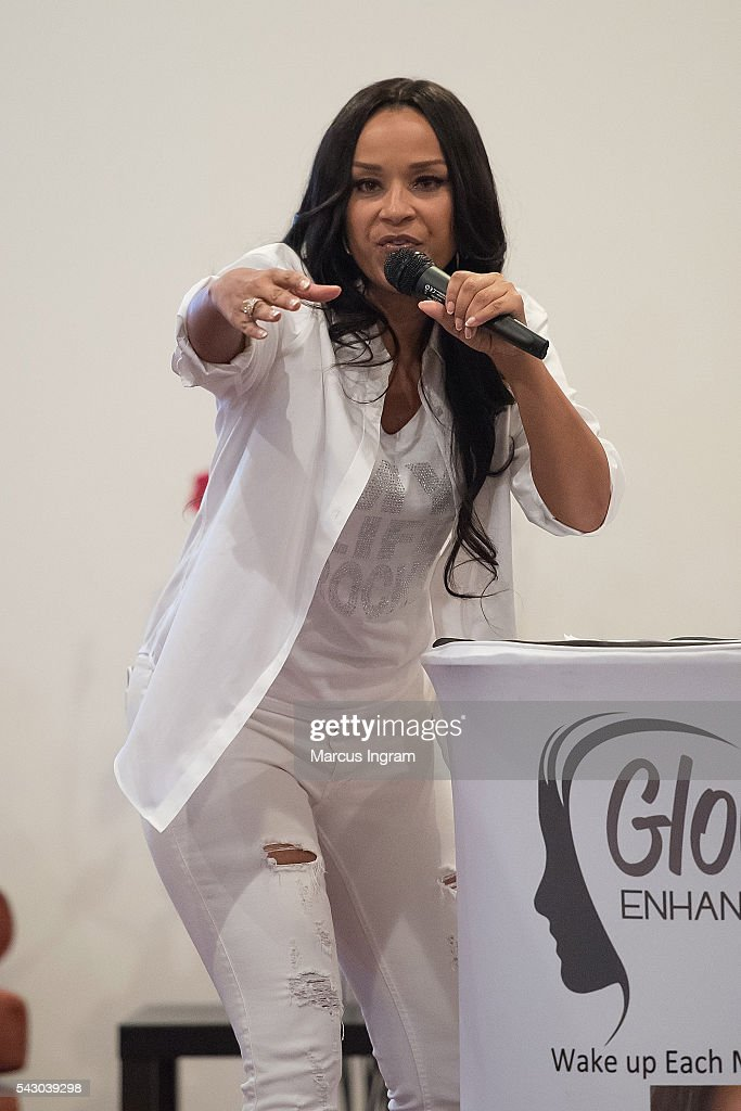 Actress Lisa Raye McCoy speaks on stage during the LIVE 365 Empowerment Tour on June 25, 2016 in Atlanta, Georgia.