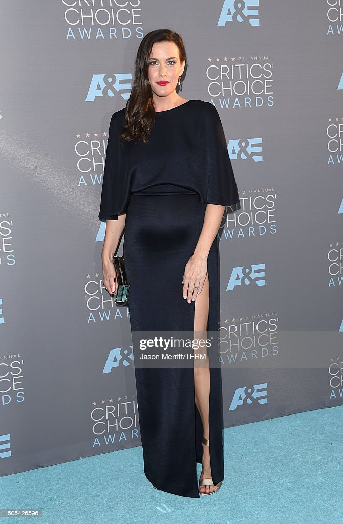 Actress <a gi-track='captionPersonalityLinkClicked' href=/galleries/search?phrase=Liv+Tyler&family=editorial&specificpeople=202094 ng-click='$event.stopPropagation()'>Liv Tyler</a> attends the 21st Annual Critics' Choice Awards at Barker Hangar on January 17, 2016 in Santa Monica, California.