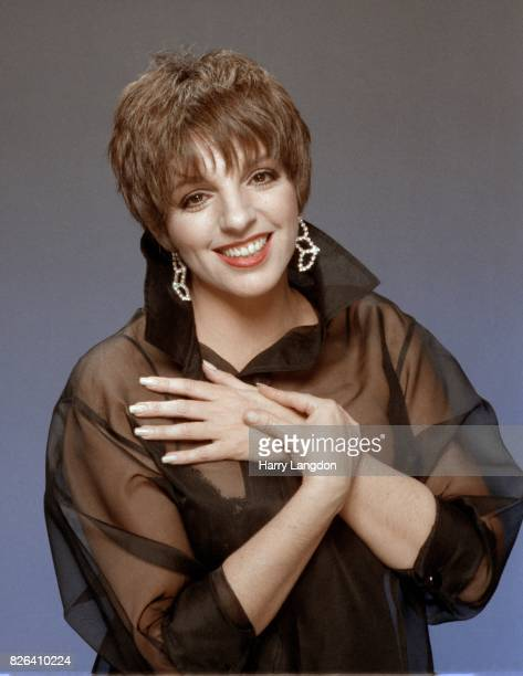 Actress Liza Minnelli poses for a portrait in 1988 in Los Angeles California