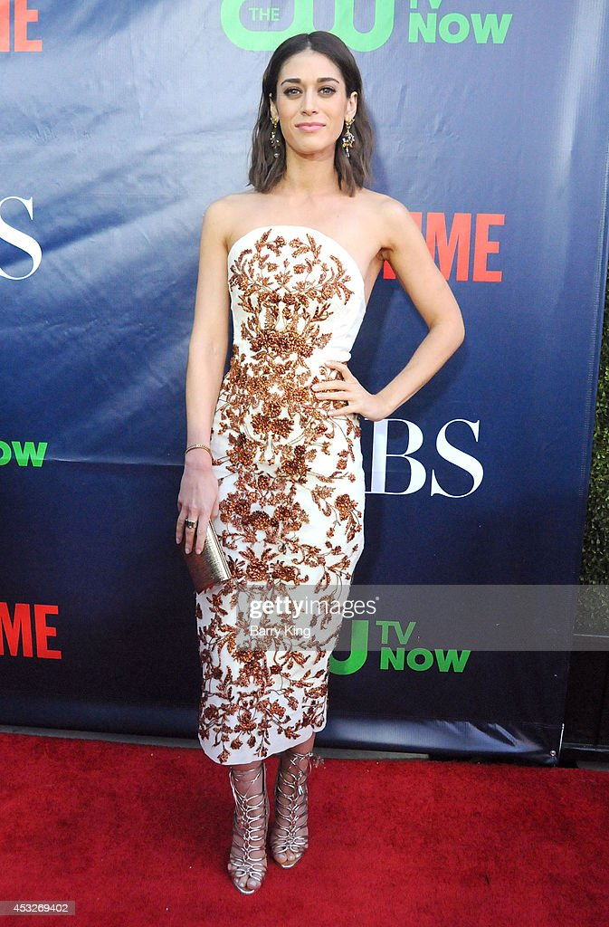 Actress <a gi-track='captionPersonalityLinkClicked' href=/galleries/search?phrase=Lizzy+Caplan&family=editorial&specificpeople=599560 ng-click='$event.stopPropagation()'>Lizzy Caplan</a> arrives at the CBS, The CW, Showtime & CBS Television Distribution 2014 Television Critics Association Summer Press Tour at Pacific Design Center on July 17, 2014 in West Hollywood, California.