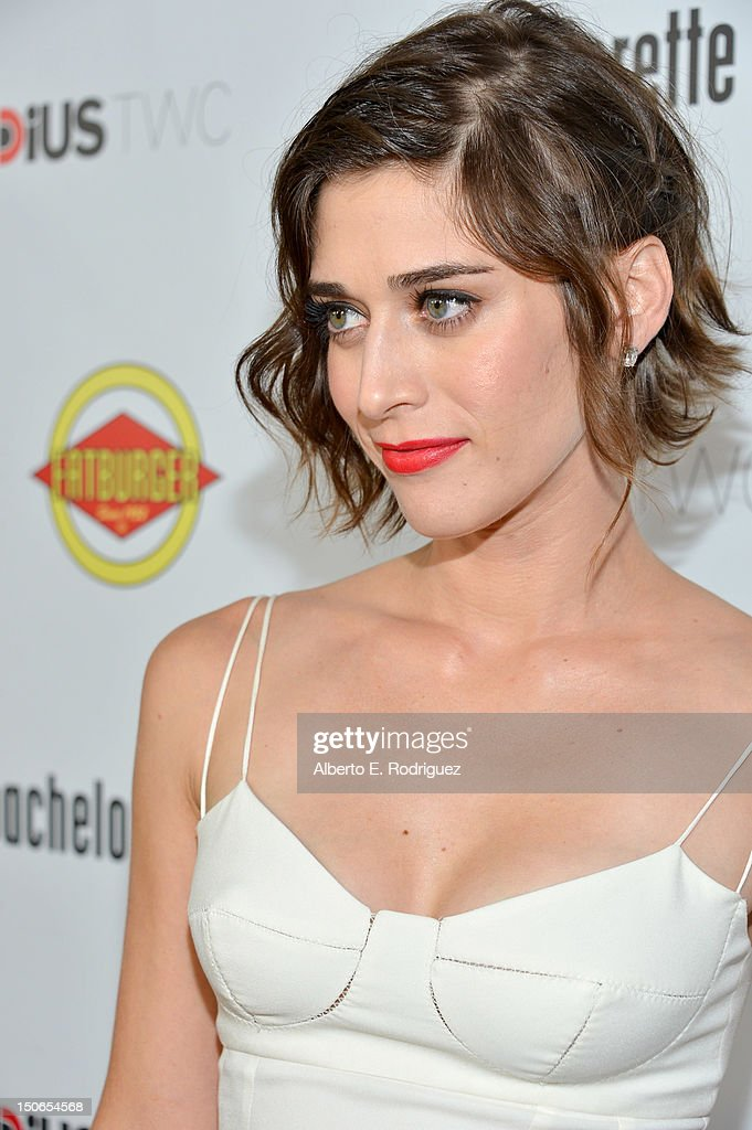 Actress Lizzy Caplan arrives to the premiere of RADiUS-TWC's 'Bachelorette' at ArcLight Cinemas on August 23, 2012 in Hollywood, California.