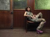 Lizzy Caplan, Flare Magazine,