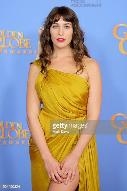Actress Lola Kirke of Mozart in the Jungle poses in the press room during the 73rd Annual Golden Globe Awards held at the Beverly Hilton Hotel on...