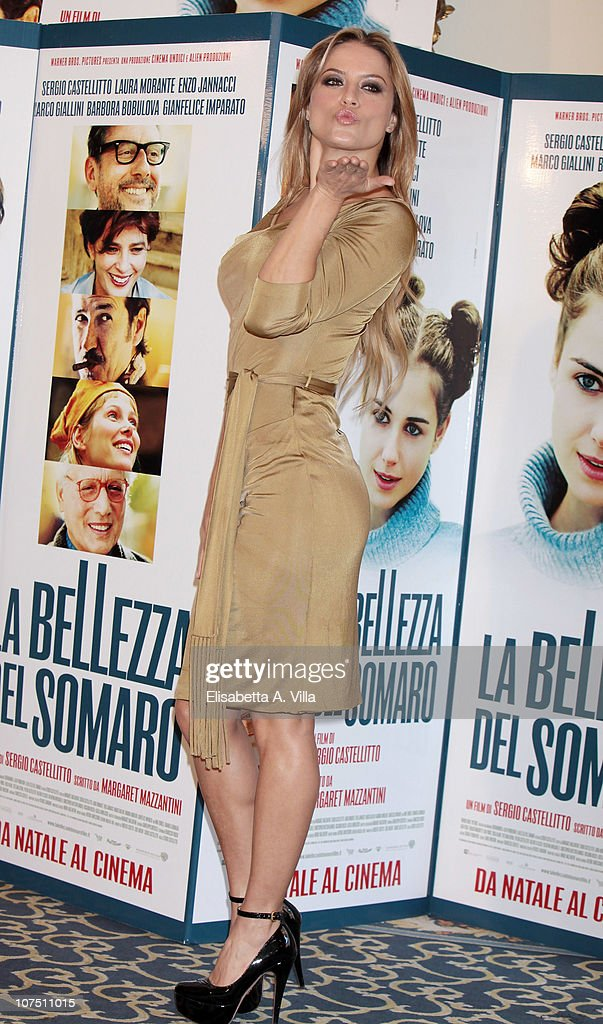 Actress Lola Ponce attends 'La Bellezza Del Somaro' photocall at the Bernini Bristol Hotel on December 10, 2010 in Rome, Italy.