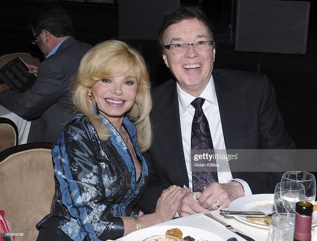 Actress <a gi-track='captionPersonalityLinkClicked' href=/galleries/search?phrase=Loni+Anderson&family=editorial&specificpeople=212933 ng-click='$event.stopPropagation()'>Loni Anderson</a> and singer Bob Flick attend Liberty Hill's Upton Sinclair Awards Dinner Honors - Show at The Beverly Hilton Hotel on April 23, 2013 in Beverly Hills, California.