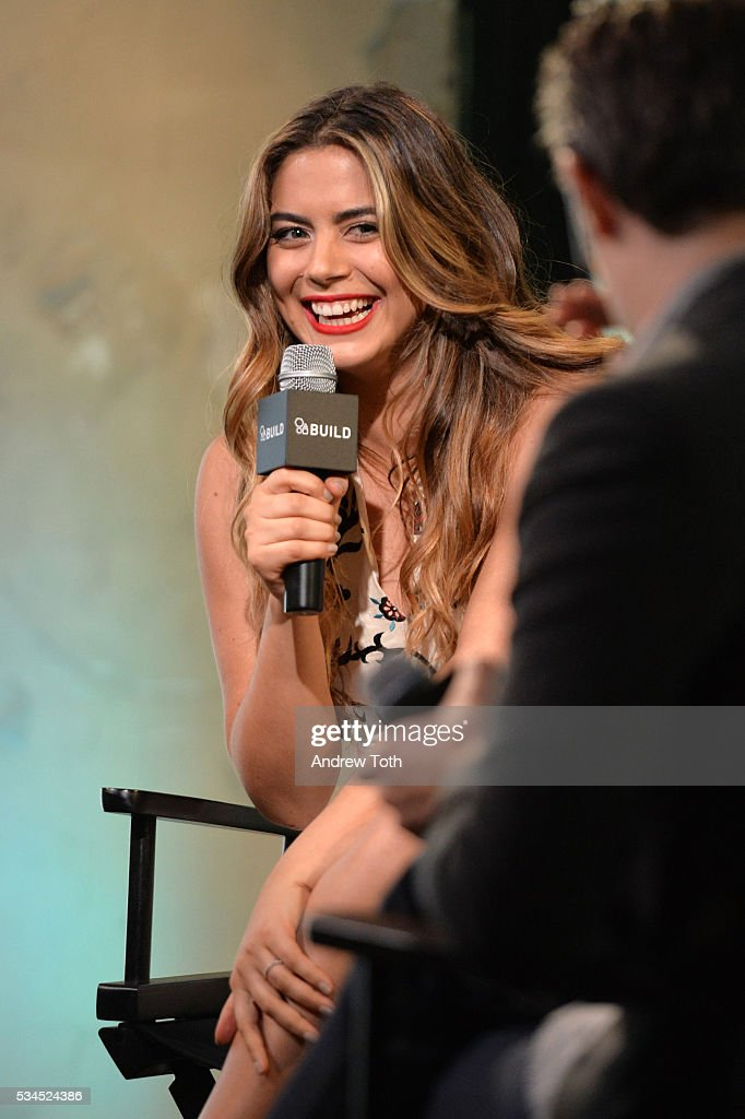 Actress <a gi-track='captionPersonalityLinkClicked' href=/galleries/search?phrase=Lorenza+Izzo&family=editorial&specificpeople=7050477 ng-click='$event.stopPropagation()'>Lorenza Izzo</a> attends AOL Build Presents <a gi-track='captionPersonalityLinkClicked' href=/galleries/search?phrase=Lorenza+Izzo&family=editorial&specificpeople=7050477 ng-click='$event.stopPropagation()'>Lorenza Izzo</a> discussing her new film 'Feed The Beast' at AOL Studios In New York on May 26, 2016 in New York City.