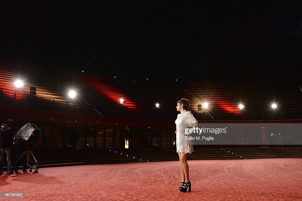 Actress <a gi-track='captionPersonalityLinkClicked' href=/galleries/search?phrase=Lorenza+Izzo&family=editorial&specificpeople=7050477 ng-click='$event.stopPropagation()'>Lorenza Izzo</a> attends 'The Green Inferno' Premiere during The 8th Rome Film Festival at Auditorium Parco Della Musica on November 12, 2013 in Rome, Italy.