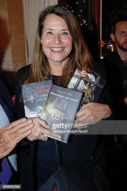 Actress Lorraine Bracco attends the 37th Writers Cocktail organized by Circle Maxim's Business Club in Fairs Fouquet's on November 27 2014 in Paris...