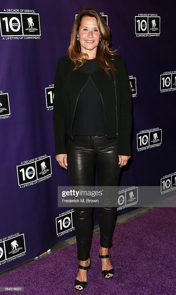 Actress <a gi-track='captionPersonalityLinkClicked' href=/galleries/search?phrase=Lorraine+Bracco&family=editorial&specificpeople=202545 ng-click='$event.stopPropagation()'>Lorraine Bracco</a> attends The Wounded Warrier Project's (WWP) Carry Forward Awards at Club Nokia on October 10, 2013 in Los Angeles, California.