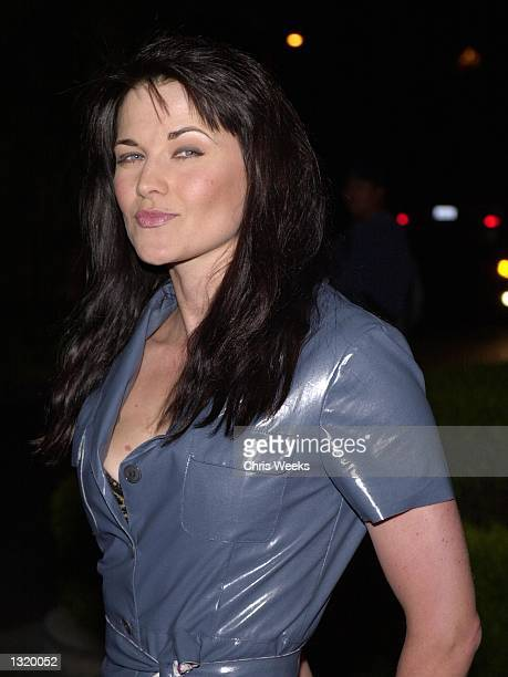 Actress Lucy Lawless arrives at the premiere of Paramount Classics'' 'The Gift' December 18 2000 at the Paramount Theatre in Hollywood CA